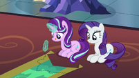 Starlight Glimmer sewing torn tapestry S6E21