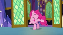 Pinkie Pie steps into the hallway S5E3