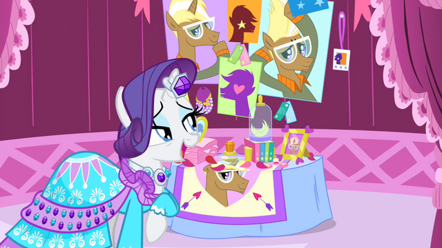 File:Rarity looking at Trenderhoof photos S4E13.png