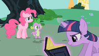 What is Twilight doing S1E26