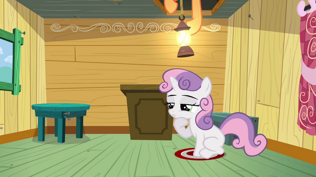 File:Scootaloo turning on the light S3E04.png
