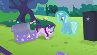 Starlight Glimmer levitating Trixie S6E6