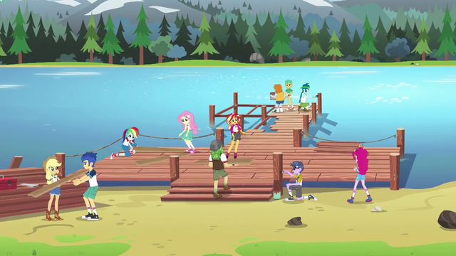 File:Wondercolts team up to fix the dock EG4.png