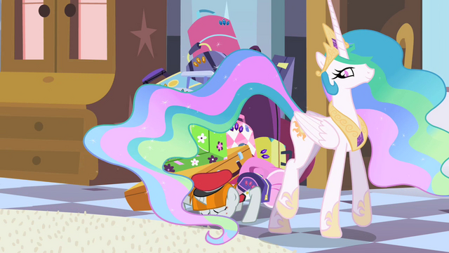 File:Bellhop bowing to Celestia S2E9.png