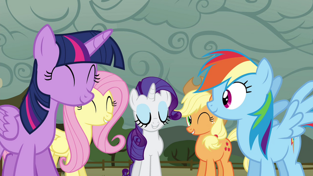 File:Twilight and friends happy S4E18.png