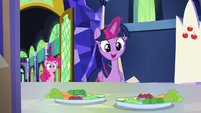 "Twilight ""we better cover them up"" S5E19"