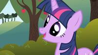 Twilight explaining herself to Applejack S1E01