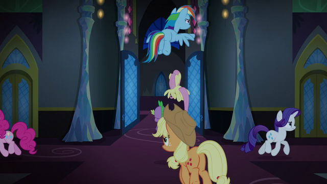 File:Changeling Seven split up around the castle S6E25.png