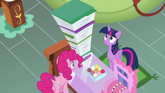 File:Twilight Sparkle impressed by Pinkie's files S7E3.png
