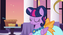 Twilight Sparkle thanking Discord S5E7
