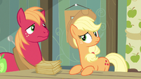 Applejack & Big McIntosh ok that's new S3E8