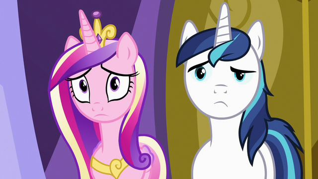 File:Cadance and Shining Armor listening to Twilight S7E3.png