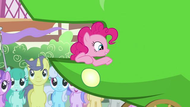 File:Pinkie Pie 'Funny joke' S3E4.png