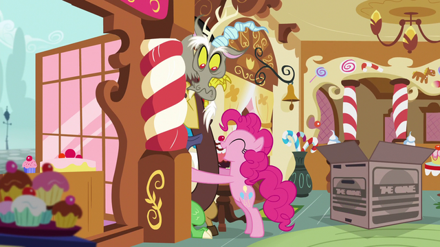 File:Pinkie invades Discord's personal space S5E7.png