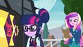 Sci-Twi looking at Sour Sweet EG3.png