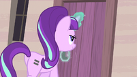 Starlight closes the door S5E02