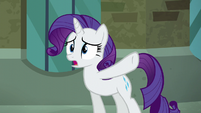 "Rarity ""would've laughed at her new hat"" S5E16"