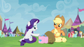 Rarity giving trade goods to Applejack S4E22.png