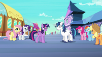 Shining Armor nods off while standing S6E1