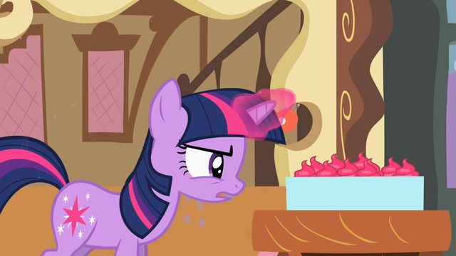 File:Twilight looking at cupcakes S2E03.png
