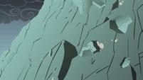 Rocks tumbling down the mountainside S1E07