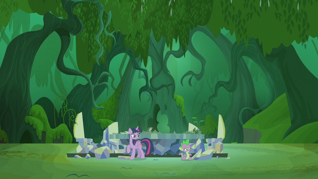 File:Twilight and Spike in the Everfree Forest S5E25.png