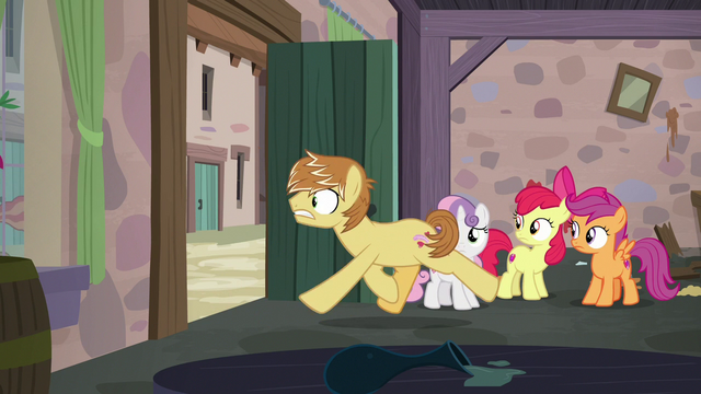 File:Feather Bangs leaving Sugar Belle's bakery S7E8.png