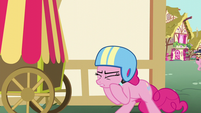 File:Pinkie Pie puts on a helmet S5E19.png