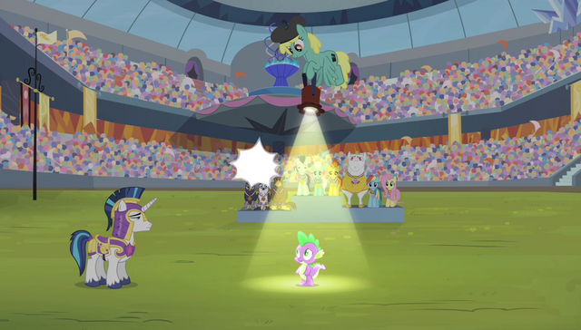 File:Spike with spotlight pointing onto him S4E24.png