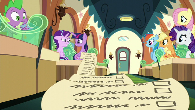 File:Starlight smiling nervously at Twilight S6E1.png