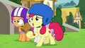 Apple Bloom gives sculpting tools to Chipcutter S7E6.png
