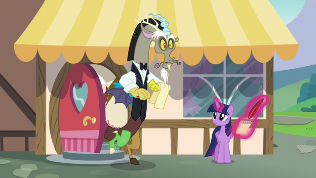 File:Discord dressed as a waiter S5E22.png
