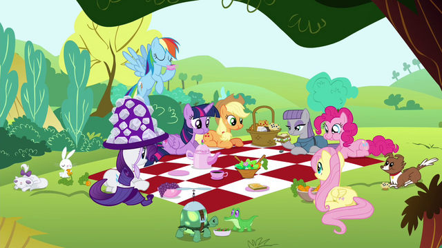 File:Mane 6, Maud and the pets together in a picnic S4E18.png