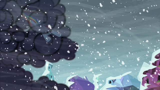 File:Rainbow Dash clearing the storm clouds S6E2.png