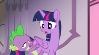 Twilight watches Spike faint S4E01