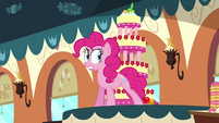 Pinkie Pie talking to the cake S2E24