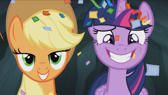 File:Twilight and Applejack smile S4E22.png