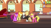 Con Mane entertaining in train car S2E24