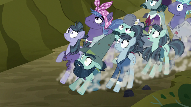 File:McColts screeching to a halt S5E23.png