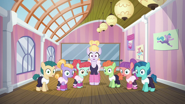 File:Hoofer Steps and dance students in shock S6E4.png