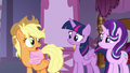 "Applejack ""I'm popular, Twilight!"" S7E14.png"