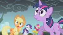Twilight worried about Rainbow Dash S1E07