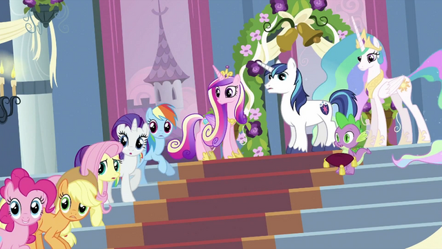File:Everypony looking S2E25.png
