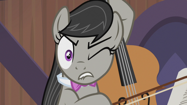 File:Octavia Melody wincing S5E9.png