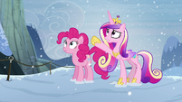 Cadance points up S5E11