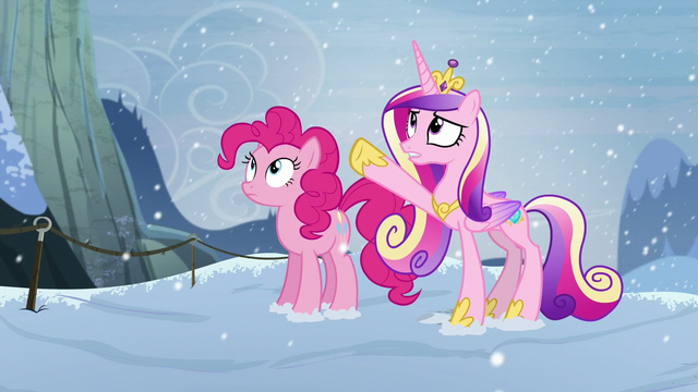 File:Cadance points up S5E11.png