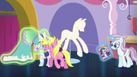 Bright Pony goes to try Tripping the Light on S5E14