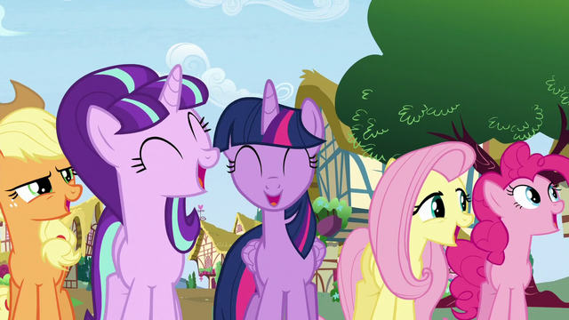File:Starlight and main cast sings 'Friendship there will grow' S5E26.png