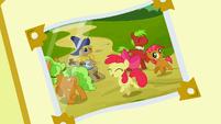 Photo album 3 (dancing ponies) S3E8