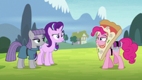 Pinkie Pie wearing a pizza costume S7E4